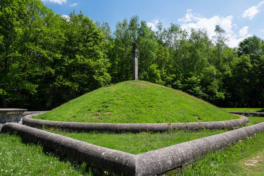 "Hunsrück - Römischer Grabhügel ""Kipp"" bei Siesbach"