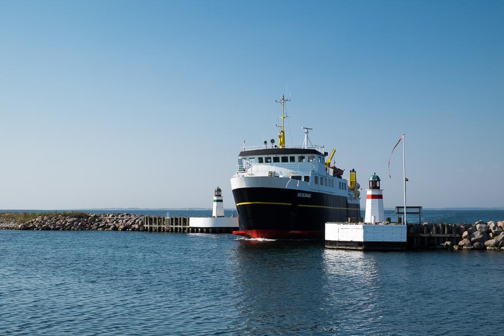 Insel Ærø - Fähre im Hafen von Søby