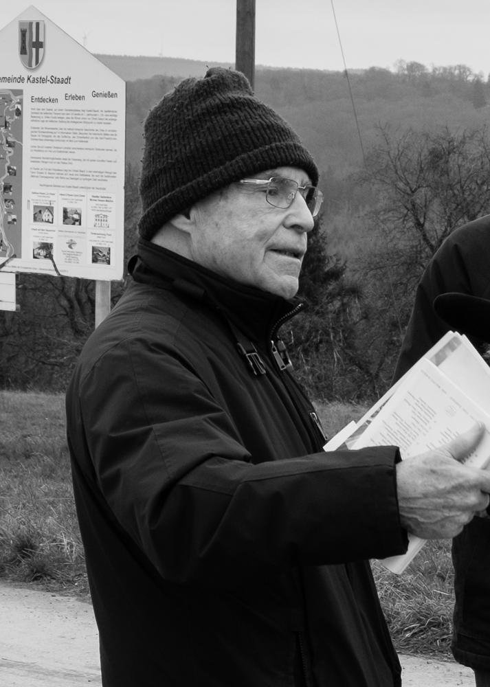 Alfred Haffner im Dezember 2015 auf dem Felsplateau bei Kastel.