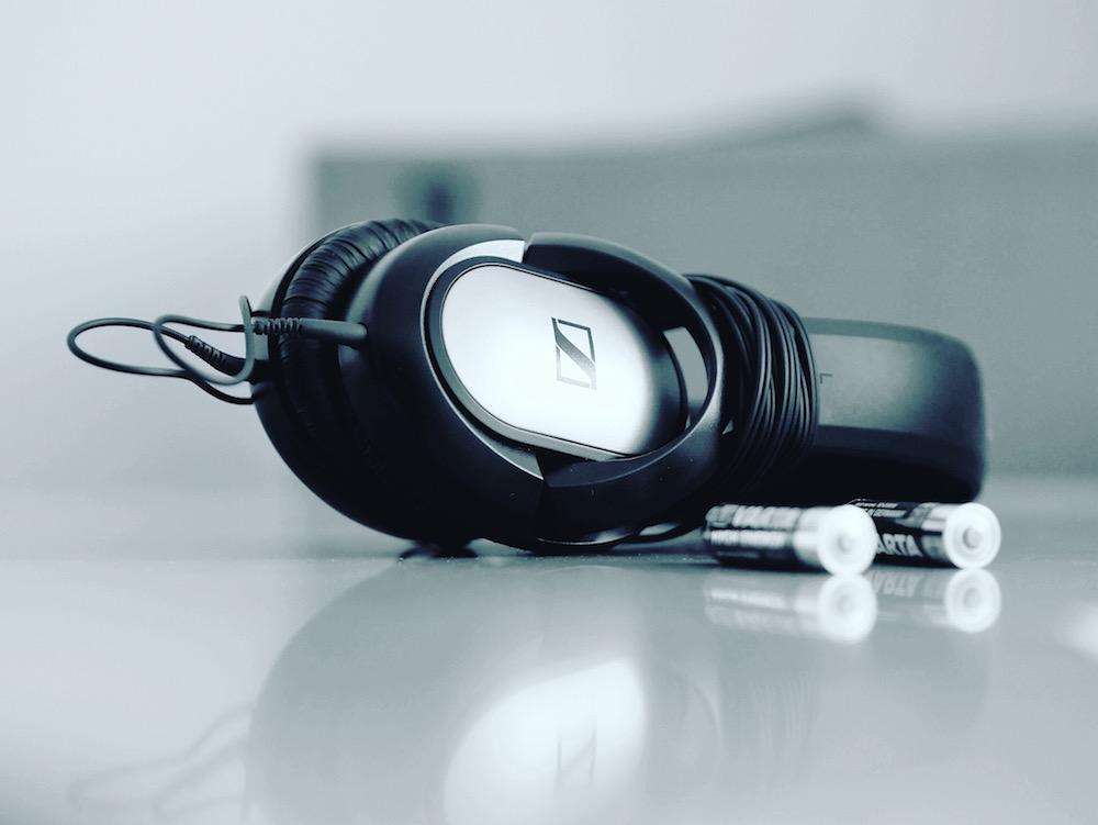 Kopfhörer - Audio ist ein Kanal der digitalen Wissensvermittlung - ob als Audioguide oder Podcast
