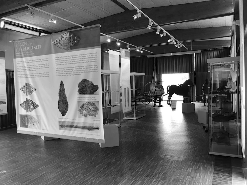 Ausstellungsraum - Alles zur Pracht und Herrlichkeit keltischer Männer.
