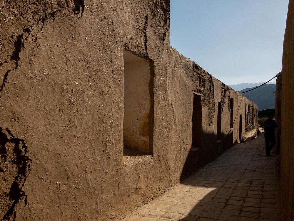 Rekonstruierte Lehmziegelarchitektur in Alt Nisa