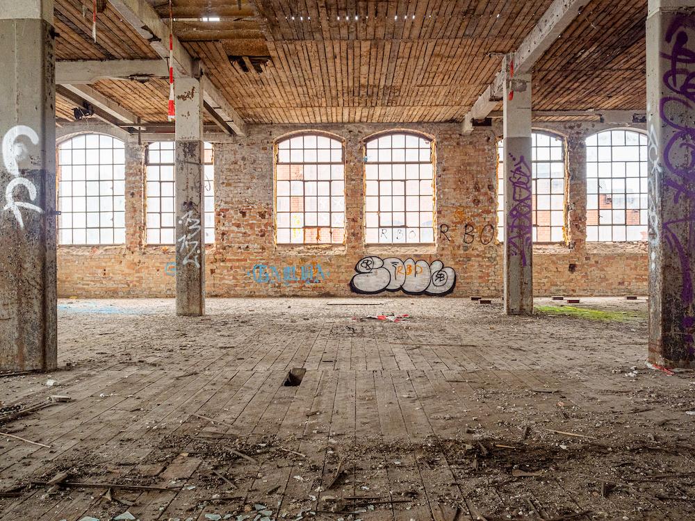 Freiräume: Der Charme von verlassenen Fabrikräumen aus dem frühen 20. Jahrhundert.